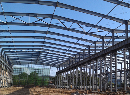 Taller de estructuras de acero para grúas