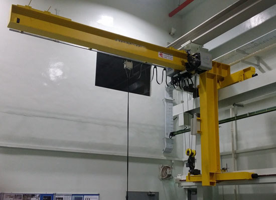 Grúa giratoria de pared flexible