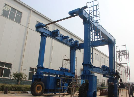Reliable Boat Hoist Crane Lift